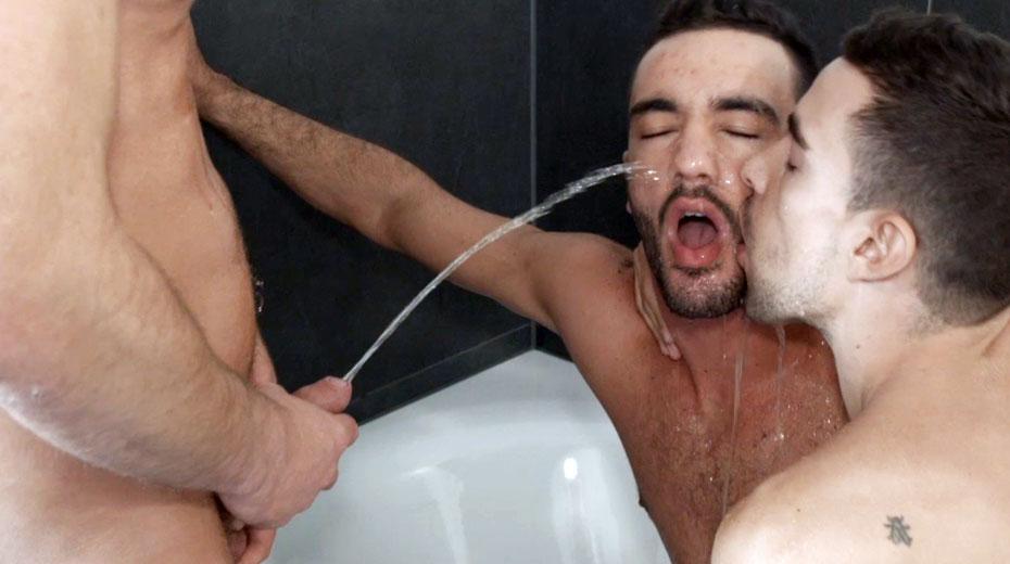Straight men cum piss xxx gay group pissing